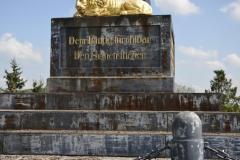 piskovani_pomniku_varvazov_pred_renovaci_1
